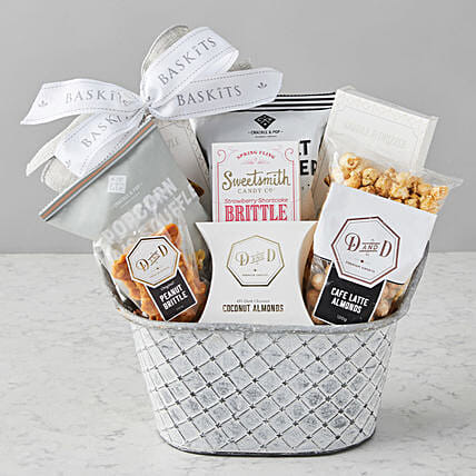 Sweet And Salty Popcorn Hamper:Send Gifts for Mother in USA