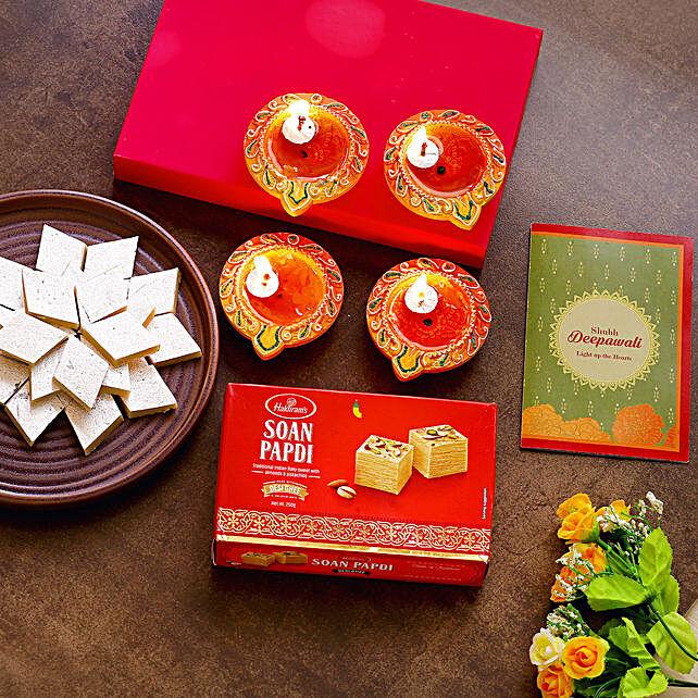 Diwali Diyas With Greeting Card & Sweets