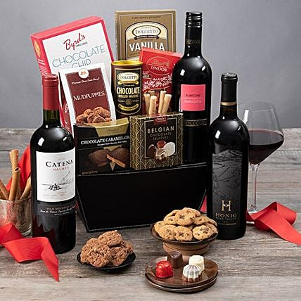Wine And Chocolate Gift Basket:Gift Baskets USA