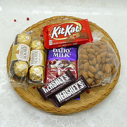 Yummy And Crunchy Bhai Dooj Thali:Hampers USA